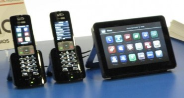 idf2008phone.jpg