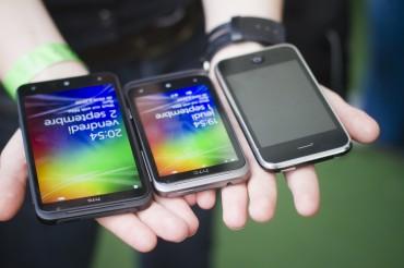 HTC Titan et Radar aux côtés de l'iPhone