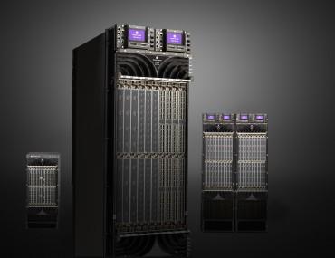 La famille des routeurs de cœur de réseau 7950 XRS d'Alcatel-Lucent