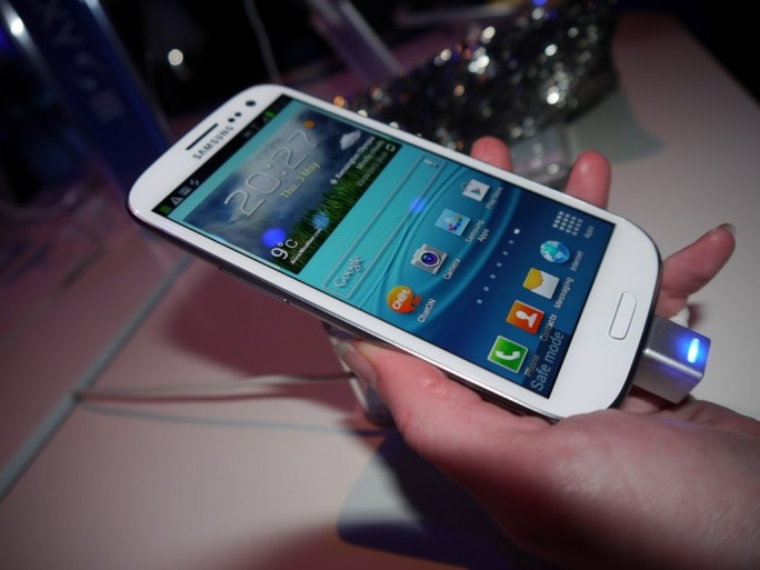 Le Galaxy S 3 vue de face.