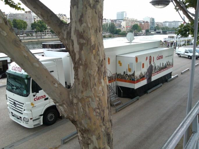 Ciena présente ses technologies réseaux fixes en tournée européenne depuis son camion Innovation Lab.