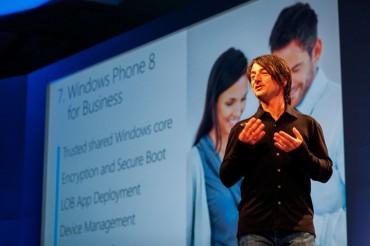 Joe Belfiore présente Windows Phone 8