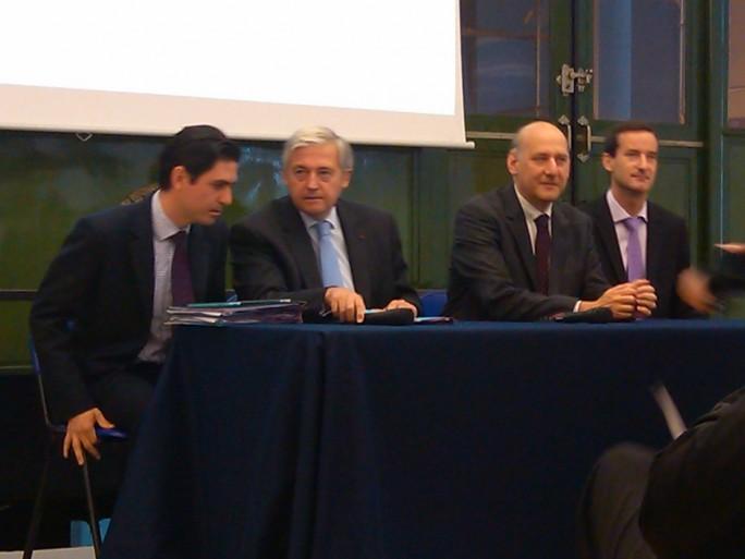Emmanuel Pitron (secrétaire général RATP), Pierre Mongin (PDG RATP), Stéphane Roussel (PDG SFR), Pierre-Alain Allemand (directeur réseau SFR) présentent l'accord pour déployer la 3G/4G dans le métro parisien
