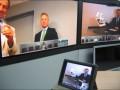 20_En cours de télé-réunion, la webcam de la tablette transfert ses images en direct