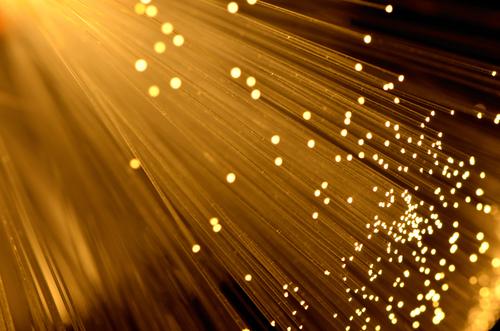 Palaiseau fibre optique (crédit photo © Lim ChewHow - shutterstock)