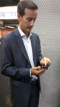 SFR 3G Dual Carrier metro Pierre-Alain Allemand