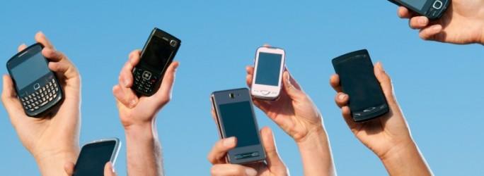 téléphones mobiles smartphones (crédit photo © Rido - Fotolia.com)