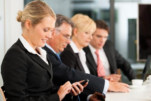 smartphones entreprises (crédit photo © Kzenon - shutterstock)
