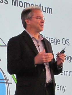 Tom Georgens, CEO de NetApp