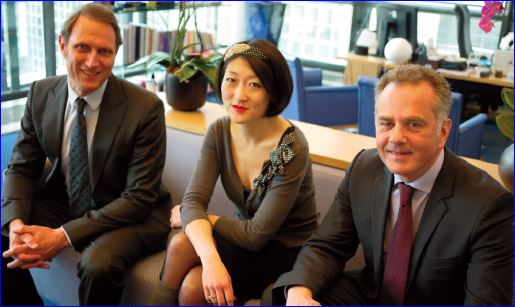 Fleur Pellerin, ministre PME & Innovation, entourée de Bernard-Louis Roques (Truffle) et Laurent Calot (CXP)_