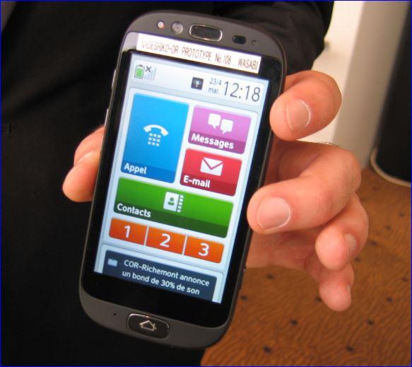 Le smartphone Fujitsu Stylistic S01 pour seniors (chez Orange)