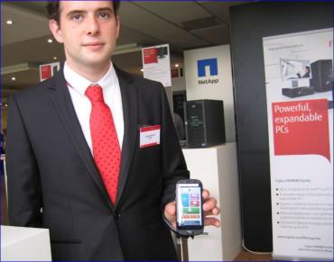 Le smartphone Fujitsu pour seniors, adopté par Orange