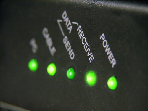 sdsl cable modem (crédit photo © Teodor Ostojic - shutterstock)