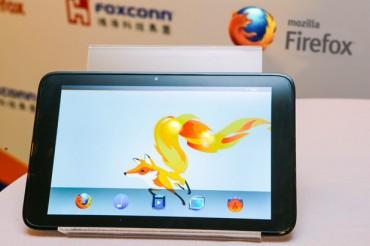 Foxconn a laissé entrevoir une tablette sous Firefox OS au Computex 2013 (crédit photo : Engadget)