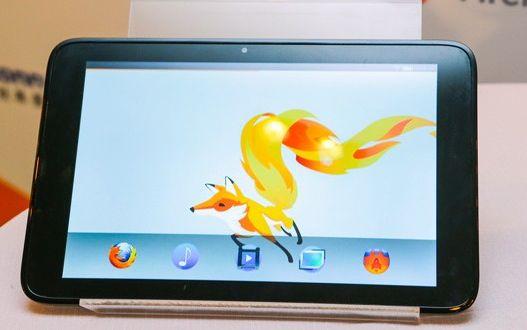Une tablette Foxconn sous Firefox OS (crédit photo : Engadget)