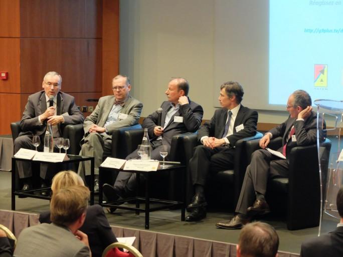 Jean-Paul Arzel (Bouygues Telecom), Philippe Distler (Arcep), Yves Gassot (Idate), Thierry Bonhomme (Orange), François Artignan (BNP-Paribas)