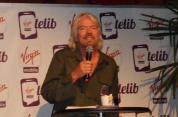 Richard Branson venu présenté l'offre Telib de Virgin Mobile