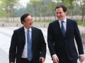 Ren Zhengfei, fondateur président de Huawei, et George Osborne, chancelier de l'Echiquier du Royaume-Uni