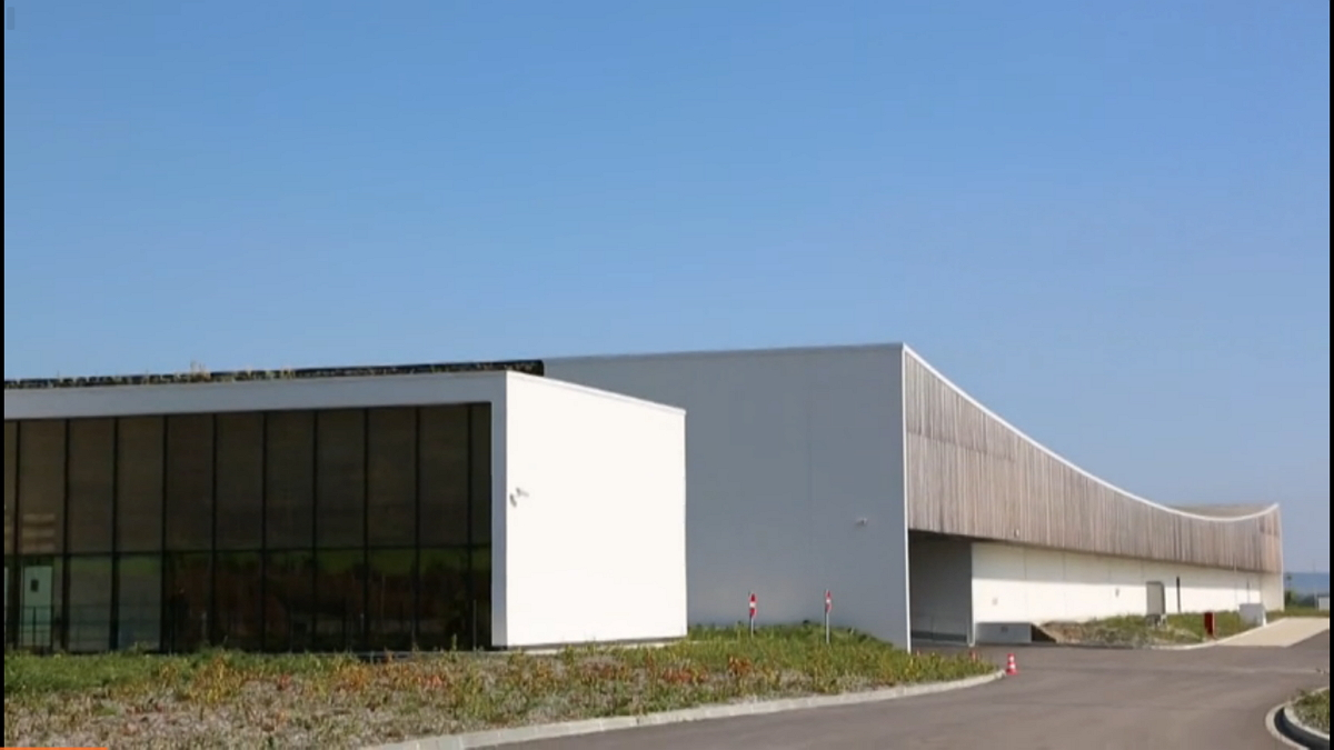 Orange inaugure le normandie son 16e datacenter fran ais for Piscine de val de reuil