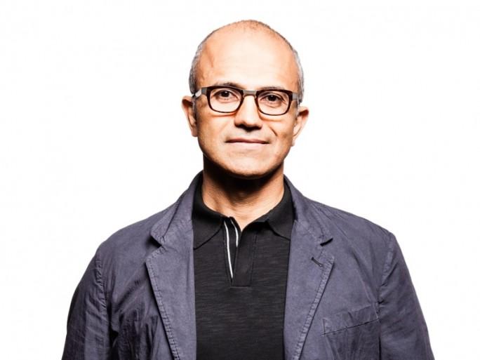 Satya Nadella (C) Microsoft