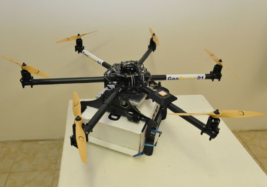livraison par drones apr s amazon la poste s y int resse silicon. Black Bedroom Furniture Sets. Home Design Ideas