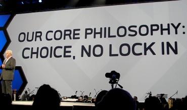 Joe Tucci, CEO d'EMC, prônant l'ouverture. Les temps changent...