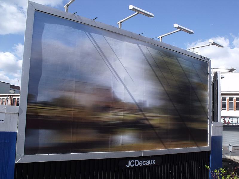 Très JCDecaux ne pourra pas pister les passants à partir de ses publicités YQ65