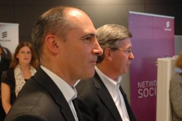 Franck Bouétard, directeur général d'Ericsson, et Yves Legrand, responsable des opérations techniques de Bouygues Telecom.