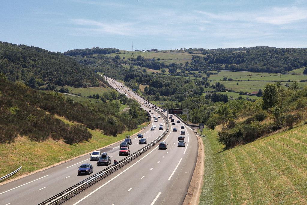 Objenious prend l'autoroute des vacances de la Sanef