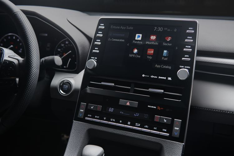 toyota s 39 initie l 39 apple carplay avec sa berline avalon 2019. Black Bedroom Furniture Sets. Home Design Ideas