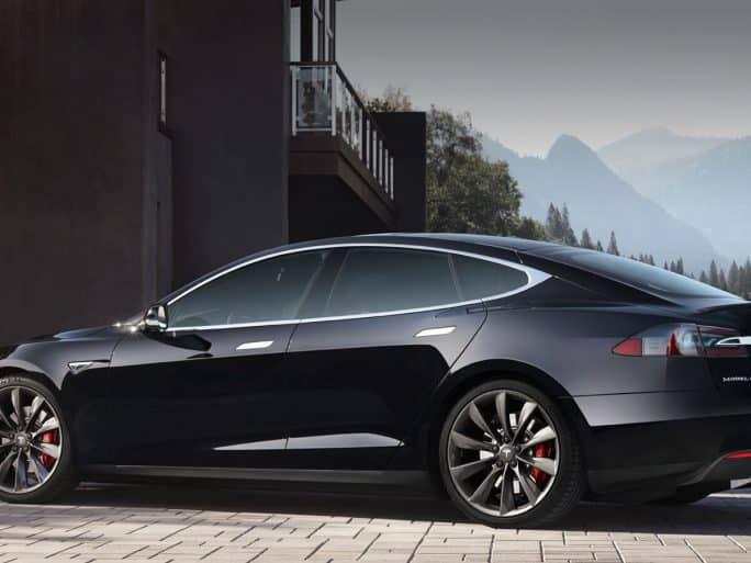 Tesla annonce une réduction de 9% de ses effectifs