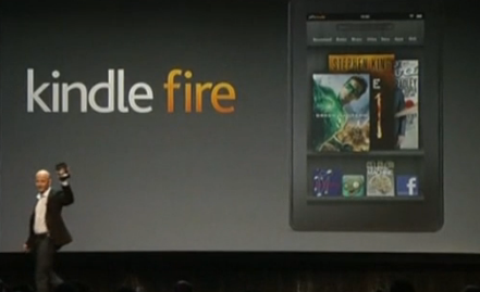 Jeff Bezos, PDG d'Amazon, présente la Kindle Fire.