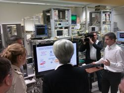 Christine Largarde et NKM en visite chez Alcatel-Lucent