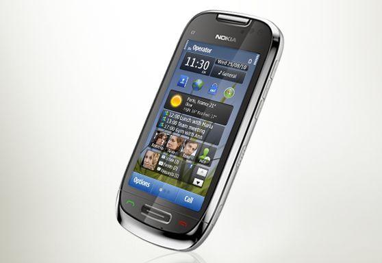 Nokia C7, le deuxième smartphone du constructeur sous Symbian 3 après le N8