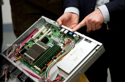 Strato équipé de serveurs sous architecture AMD Opteron